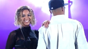 Blue-Ivy-sings-with-Beyonce-in-Grammy-Rehearsal-1