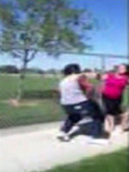mom fight