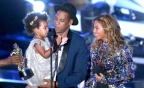 Dear Summer: Beyonce & Blue Ivy Hit The Hudson In Matching Swimsuits