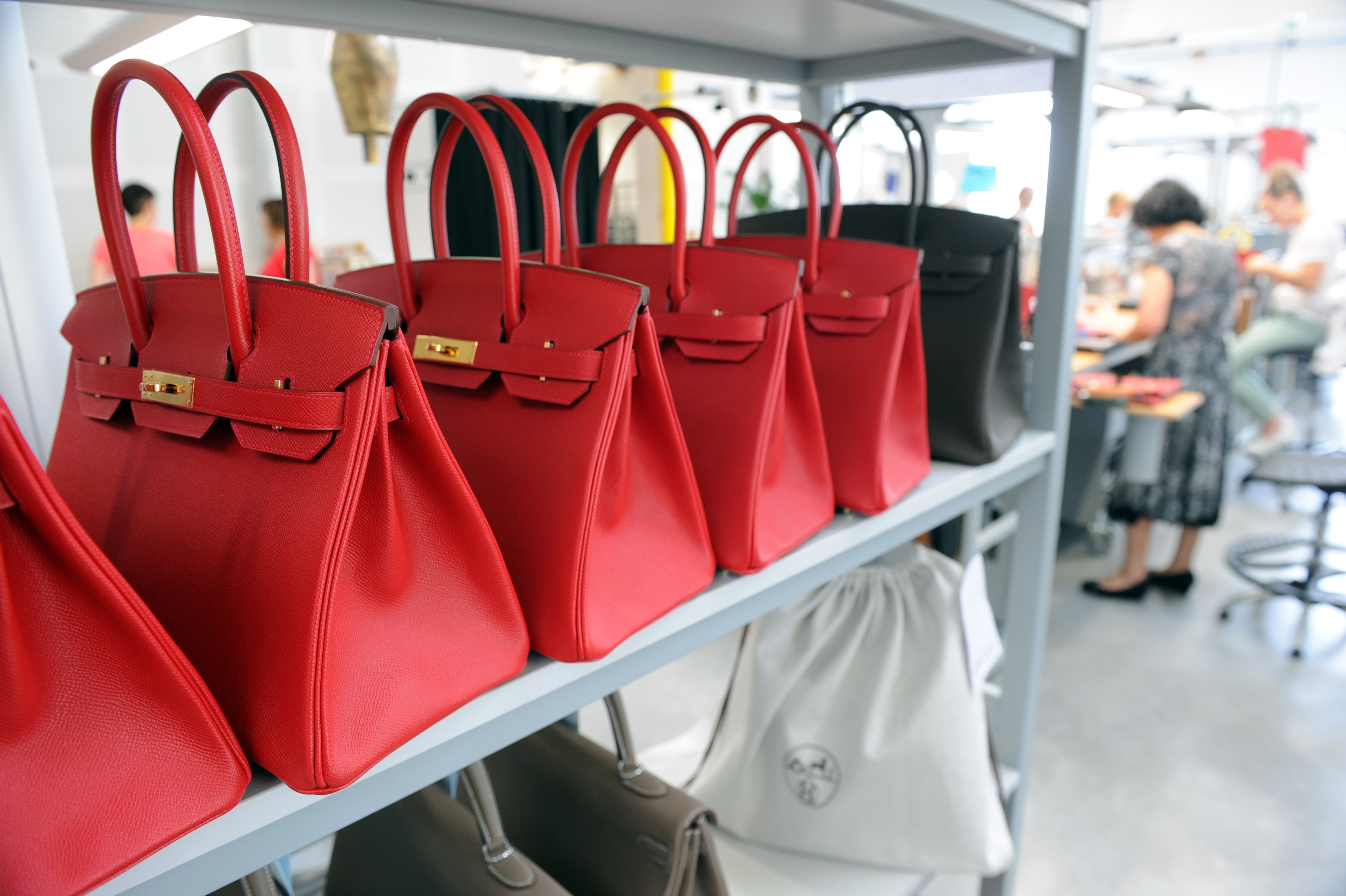 FRANCE-LUXURY-INDUSTRY-BUSINESS-LEATHER