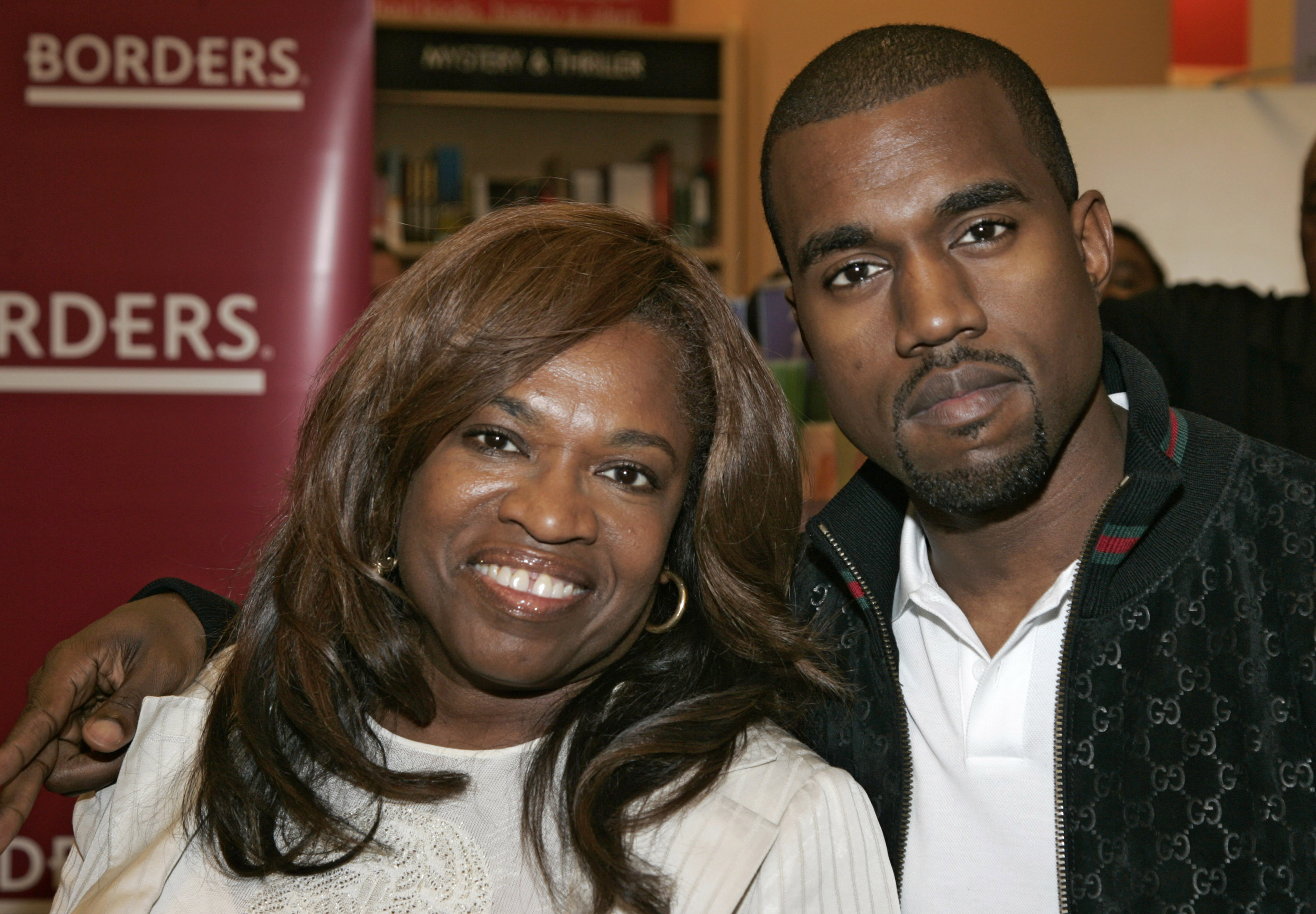 Donda West Signs Copies of Her New Book, 'Raising Kanye' - June 6, 2007