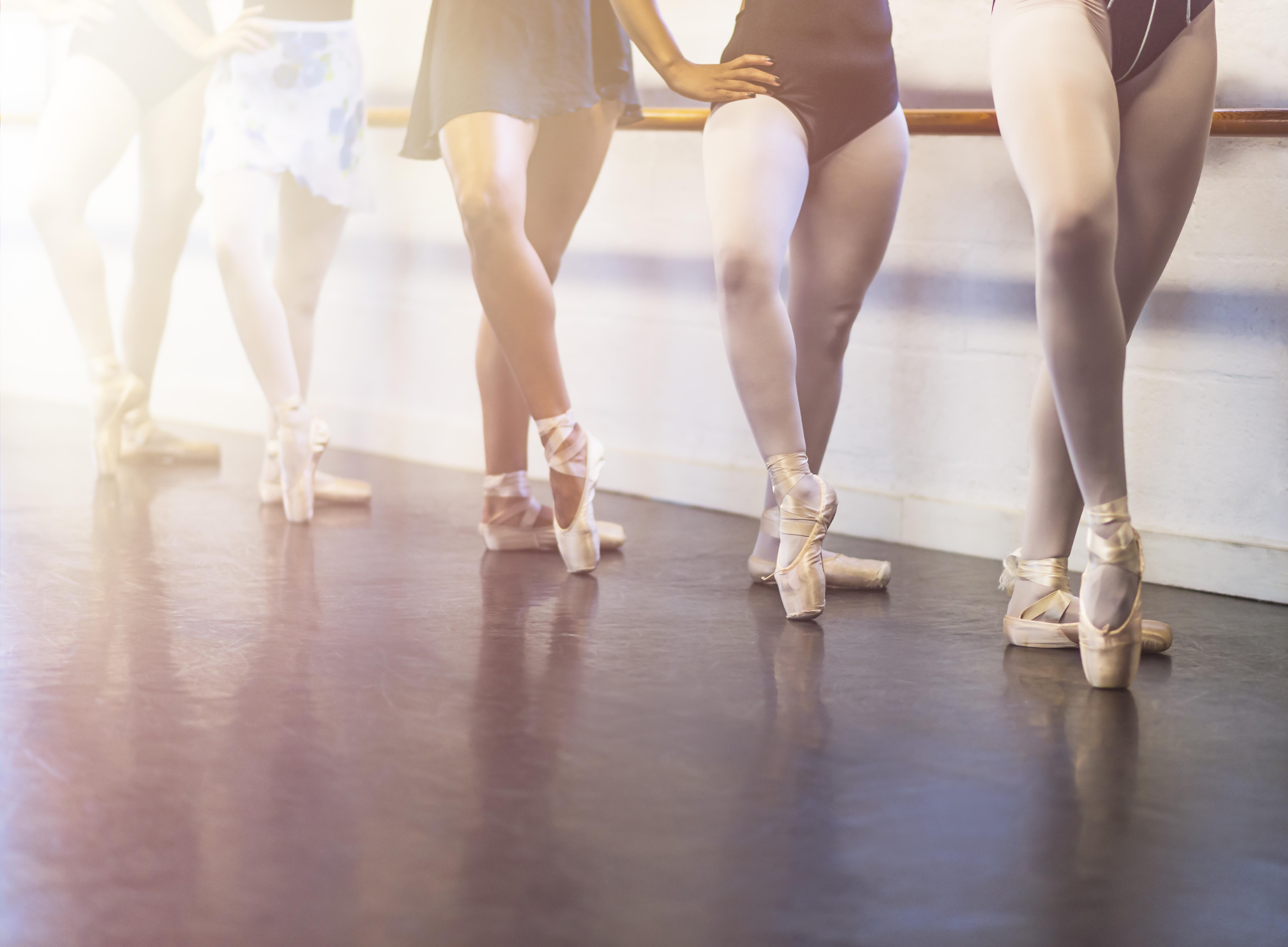 USA, Florida, Jupiter, Young women dancing in dance studio