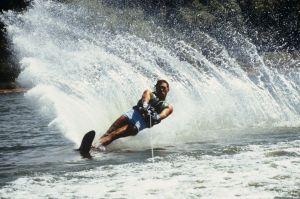 1980s MAN WATERSKIING...