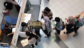 INDONESIA-ECONOMY-LABOUR-UNEMPLOYMENT